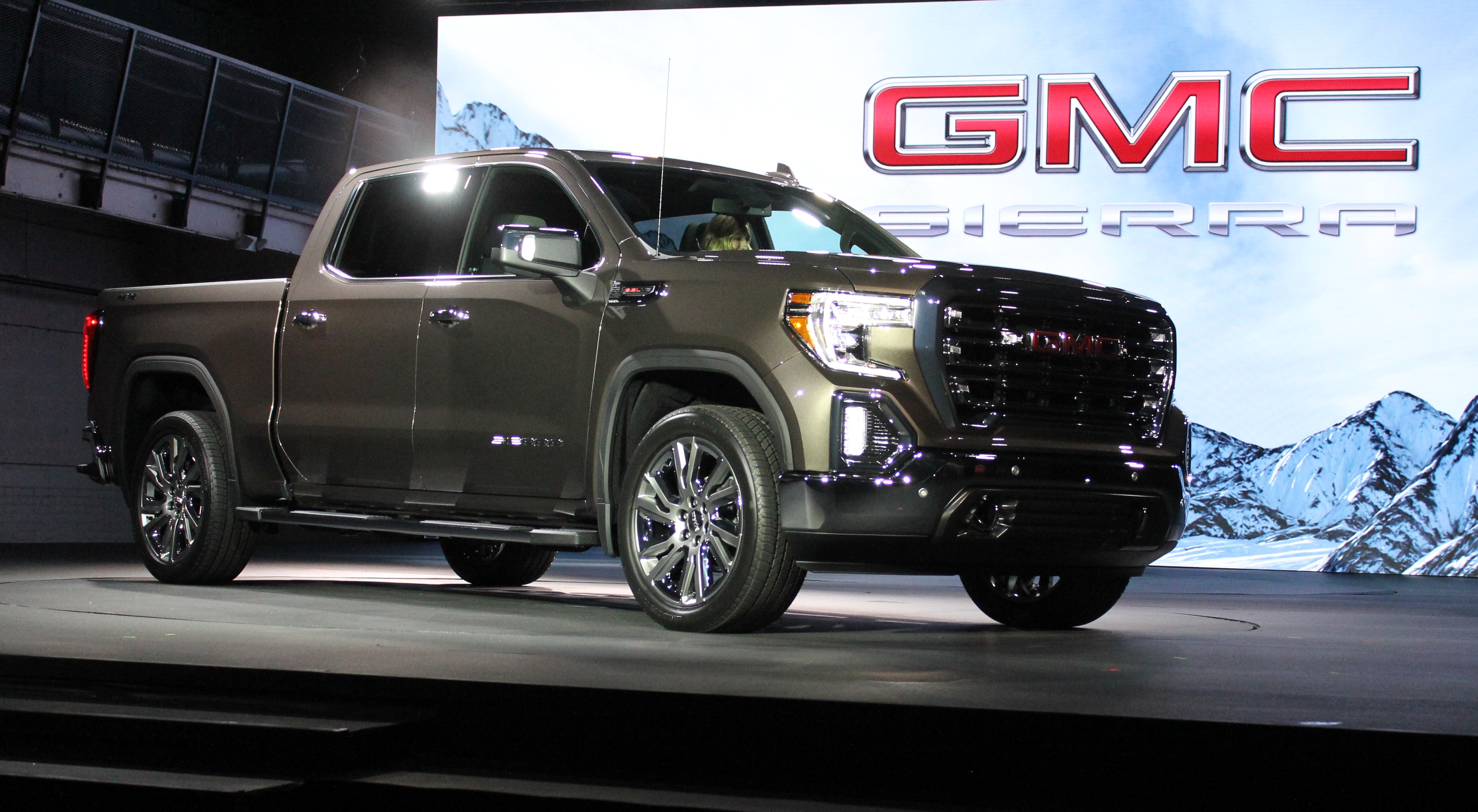 2019 GMC Sierra in Detroit 009