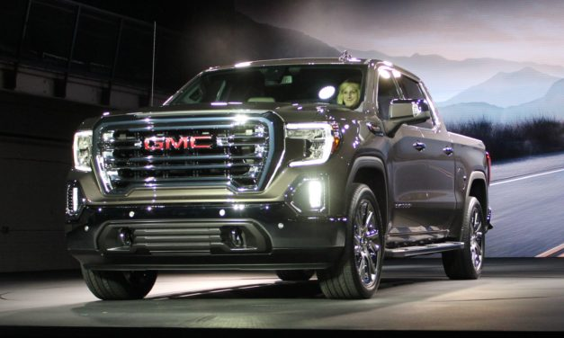 2019 GMC Sierra Drops in Detroit