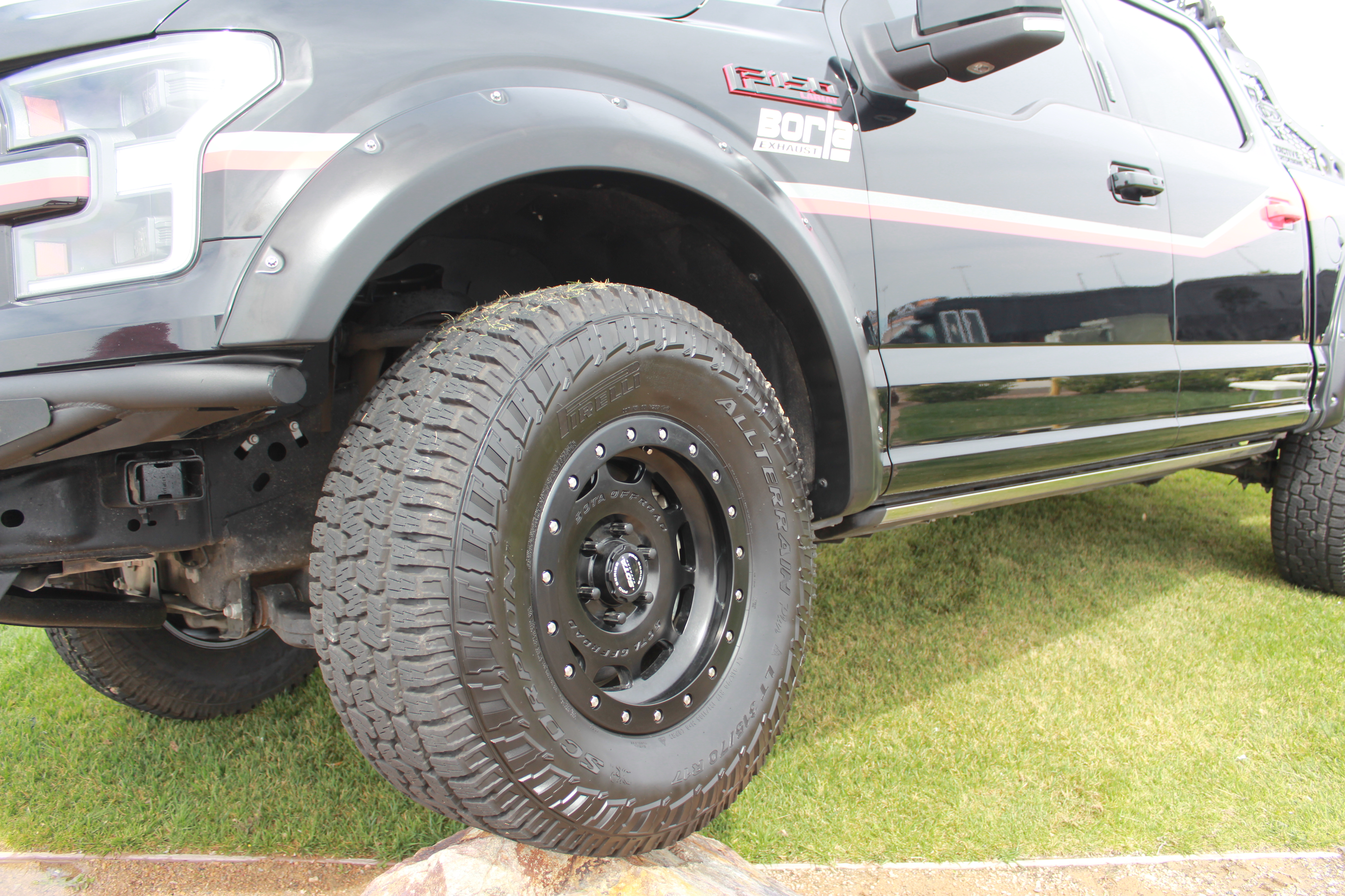Pirelli Scorpion All Terrain Plus intro 012